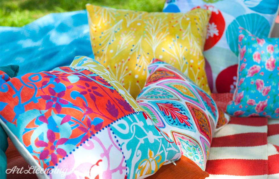 pillows=in-the-garden-artlicensingdesign-980px