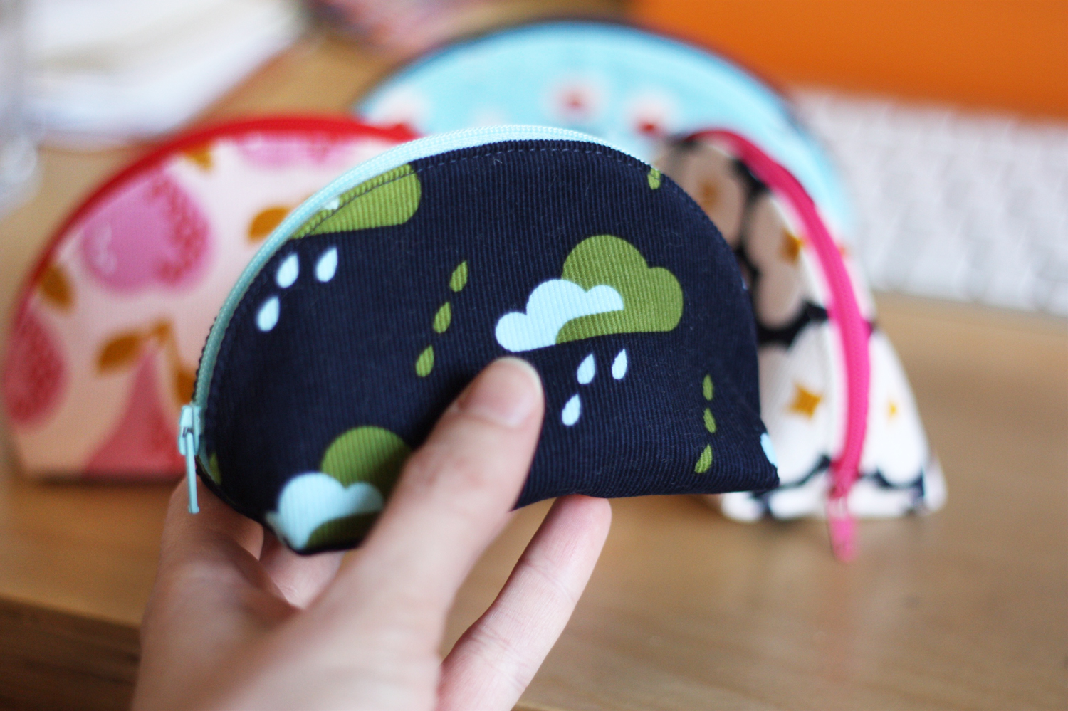 Cloud print fabric pouch